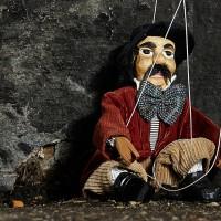 Le spectacle de marionnettes pour les enfants